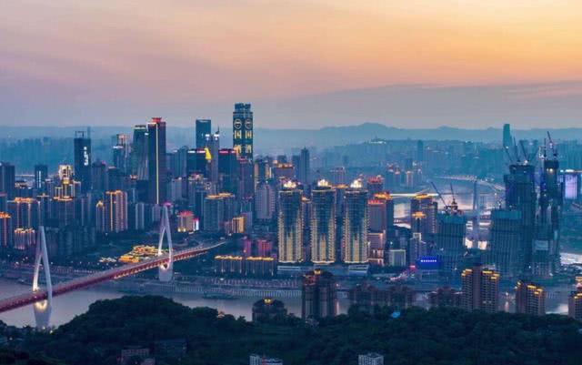 """中国最""""相爱相恨""""的两座城市,明明是一家人,却谁都不愿意服输"""