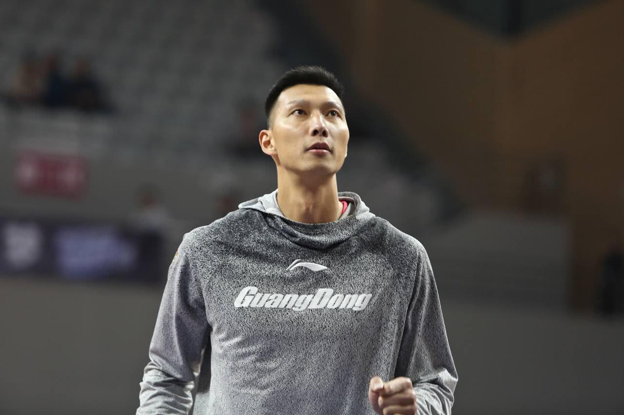 易建联超越中国乔丹!成为中国男篮总得分第二,榜首依旧遥不可及