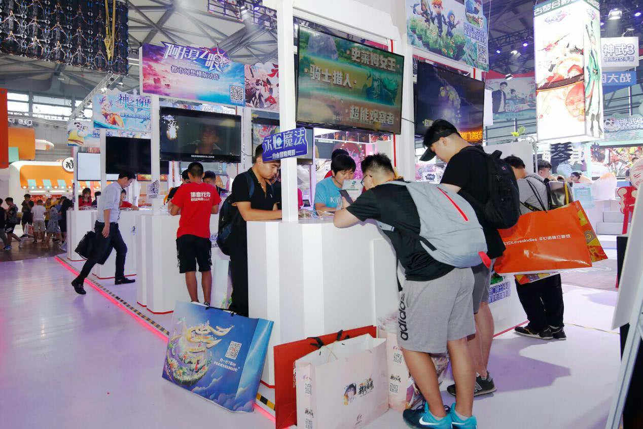 2019CJ游戏试玩区品鉴,人气主播打卡多益网络新游戏!