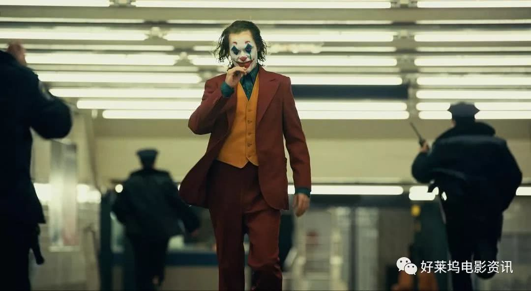 奥斯卡在招手:DC漫画电影《小丑》获得威尼斯电影节金狮大奖!