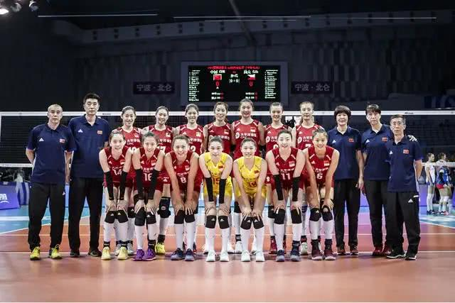女排战德国,李盈莹顶替张常宁首发,首局中国队25-22获胜