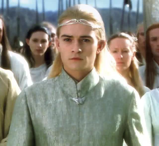 """乌龙事件""""精灵王子""""奥兰多用密语将儿子名字纹在身上 最终却纹错单词"""