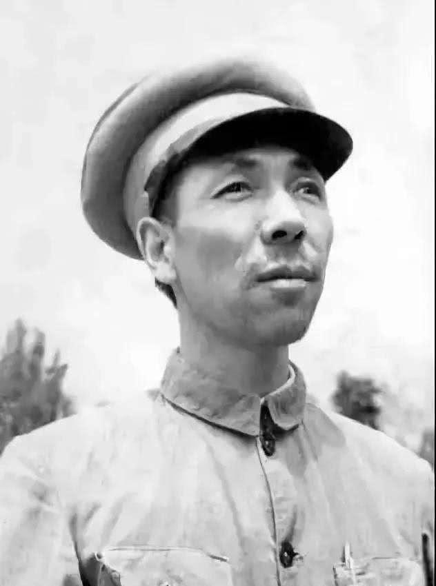 他在解放战争中任一野二兵团政委,本可授衔上将,后扎根甘肃