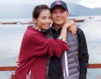 刘涛复出后累到拍广告直接躺地上睡着,当初嫁豪门还留下了什么