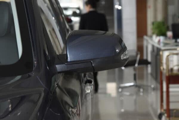 <b>1月份再卖14315辆,这SUV火了,从17万跌到10.2万,买啥途观</b>