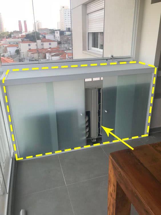 空调外机放阳台,想打玻璃柜装起来,师傅:简直是毁房!谁敢装?