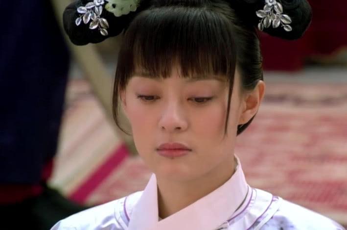 雍正最初把甄嬛当替身,何时爱上她的,华妃很清楚