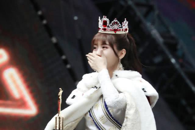 李艺彤再度问鼎总决选冠军,黄婷婷却联手冯薪朵开公司了
