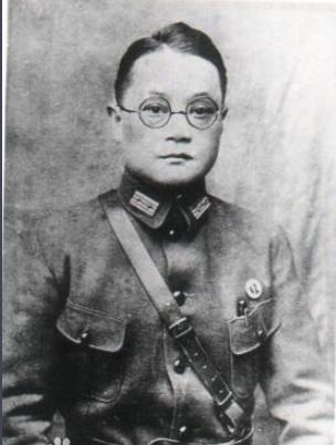 <b>他是川军上将,后起义归顺我军,临终前给志愿军捐款两千万</b>