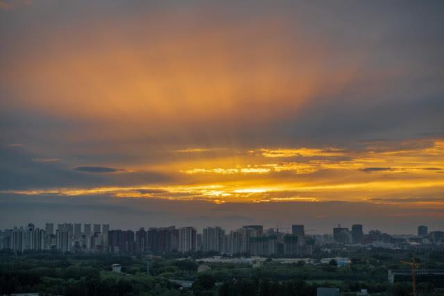 """""""利奇马""""外围影响北京:路径""""飘忽不定"""",明后天有雨"""