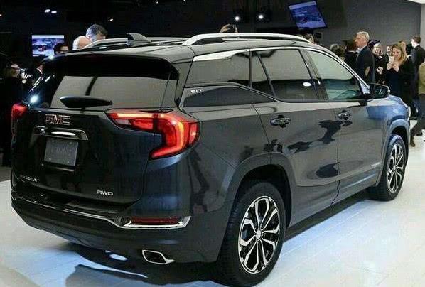 GMC终于打造出适合中国人的SUV,配9AT,一脚256匹!