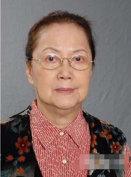 """82岁TVB资深演员夏萍去世,曾扮演过""""包龙星""""的老妈"""