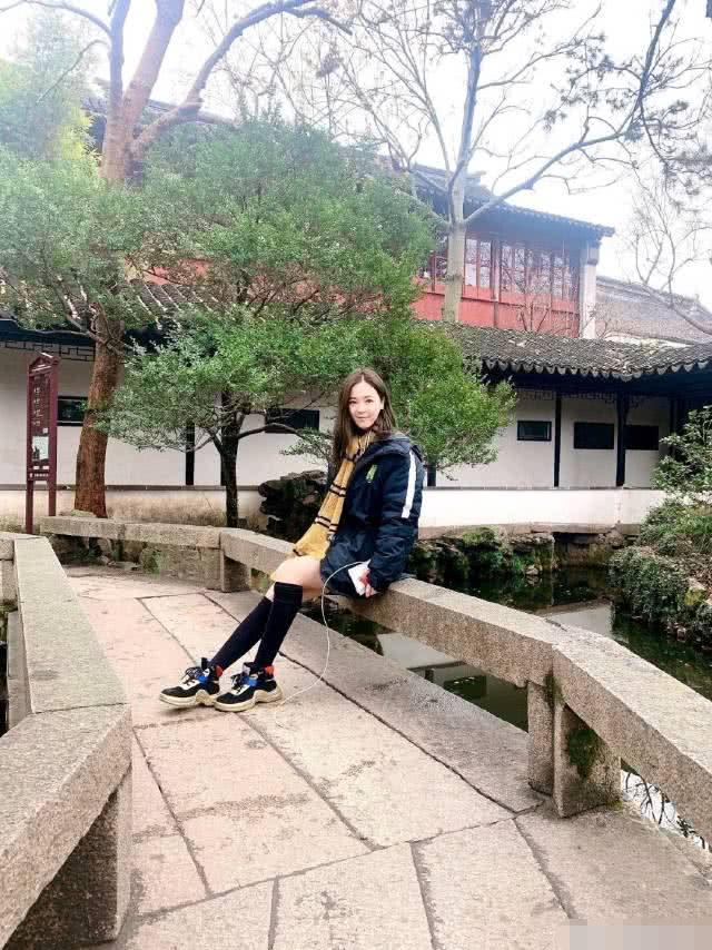 马景涛前妻吴佳尼陪家人游玩,俩儿子一个像爸爸一个像妈妈