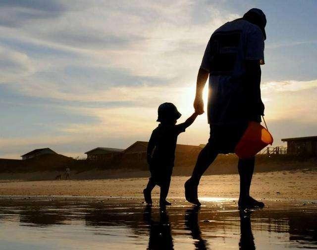 为什么孩子越来越自卑只因父母经常说这四句话,句句如刀割!