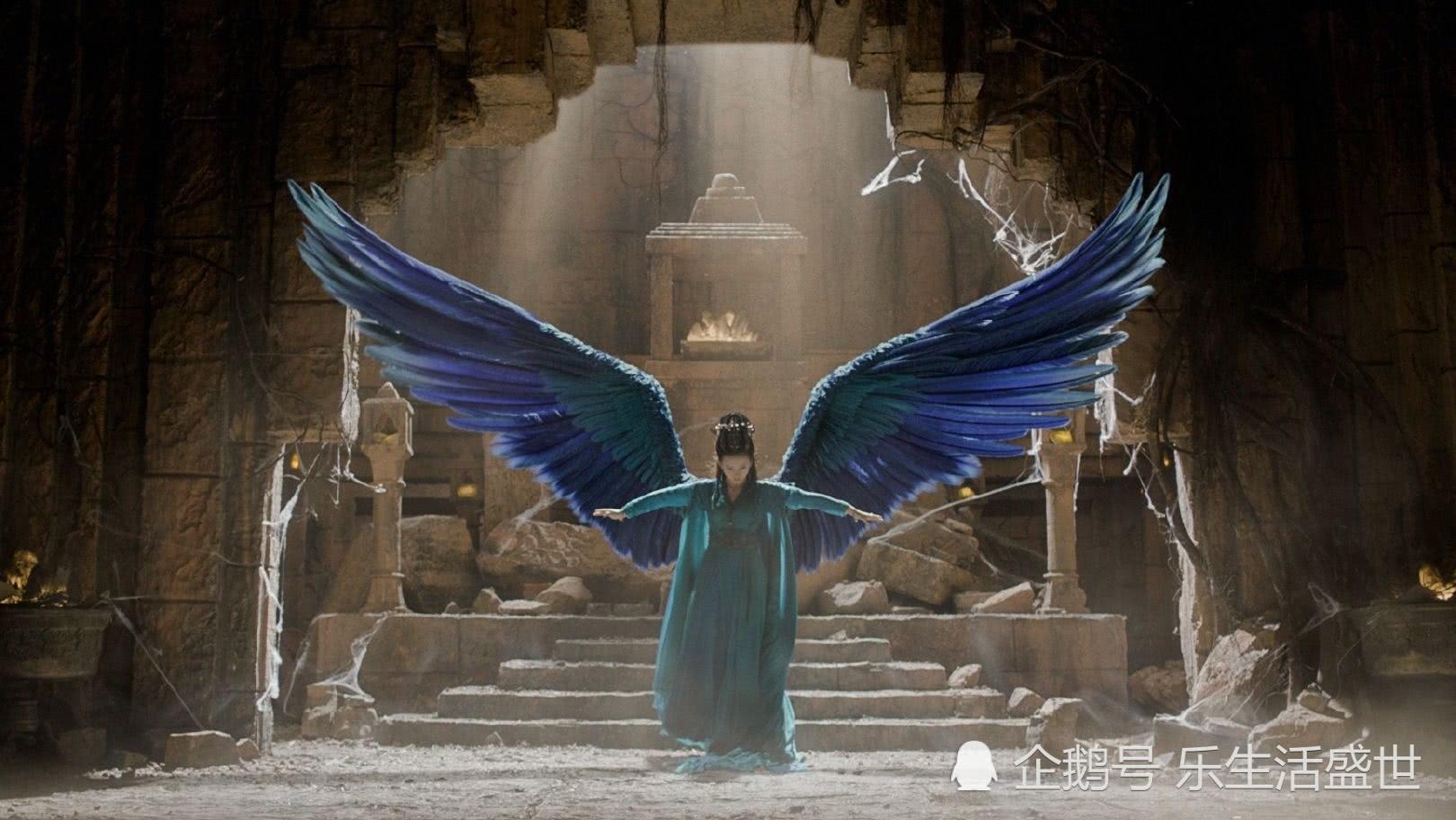 九州缥缈录:羽然绝美展翅,蓝色翅膀增加了神秘感,专心搞事业