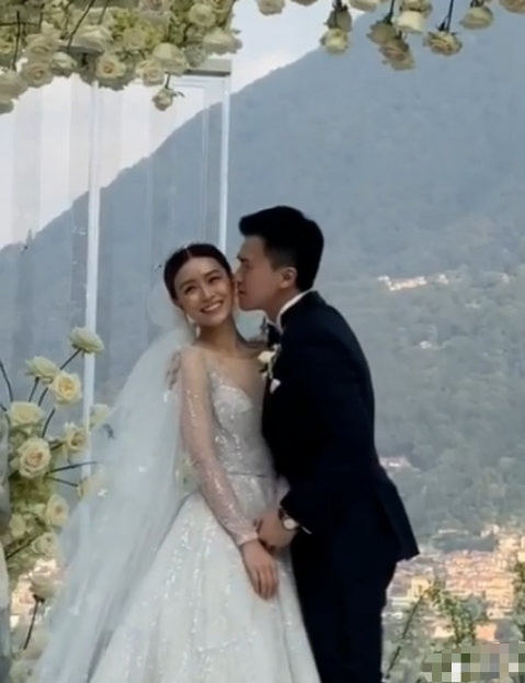 文咏珊与圈外男友吴启楠结婚啦,网友:有钱人的婚礼真好看!