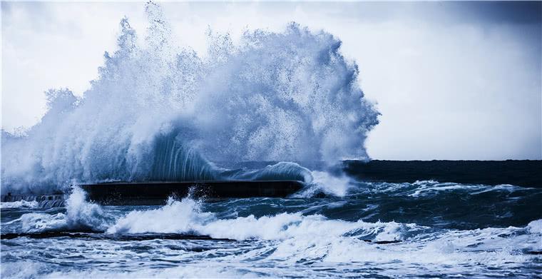 """紧急通知!""""利奇马""""或升级为""""超强台风"""",宁波、上海港将随时停港"""