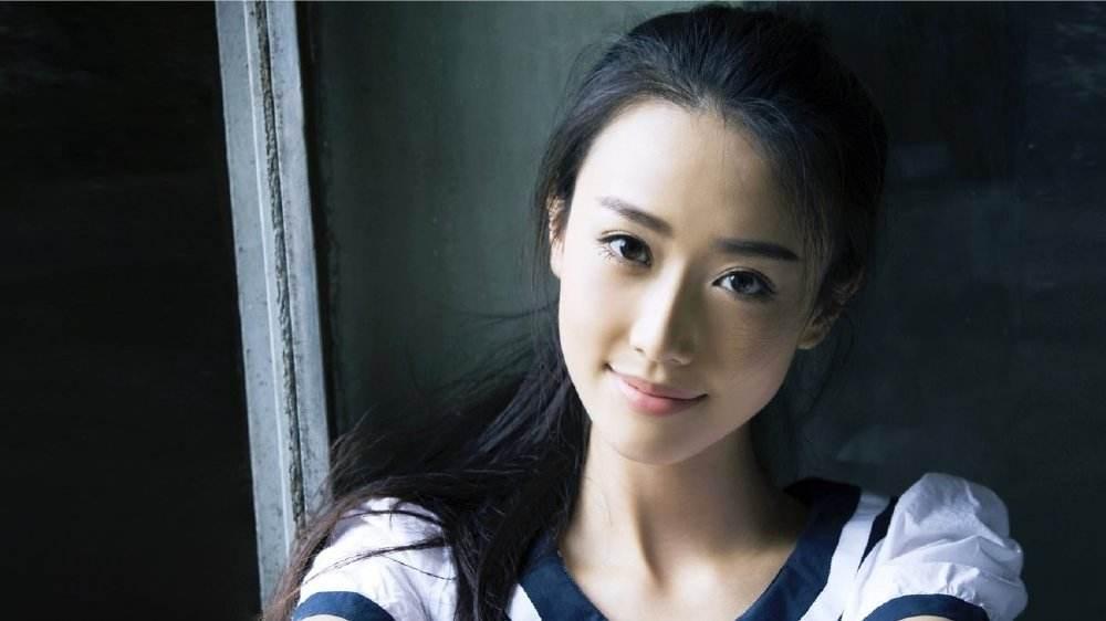 <b>被称女神专业户,出道就获尤小刚力捧,28岁与陈都灵演闺蜜获赞</b>