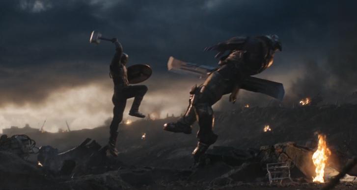 除了雷神之锤、暴风战斧,美国队长还使用过雷神的这把武器