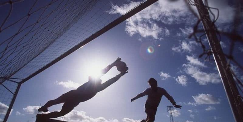 英超十年的标志性球员,BBC列出了十五大球星,他的呼声最高