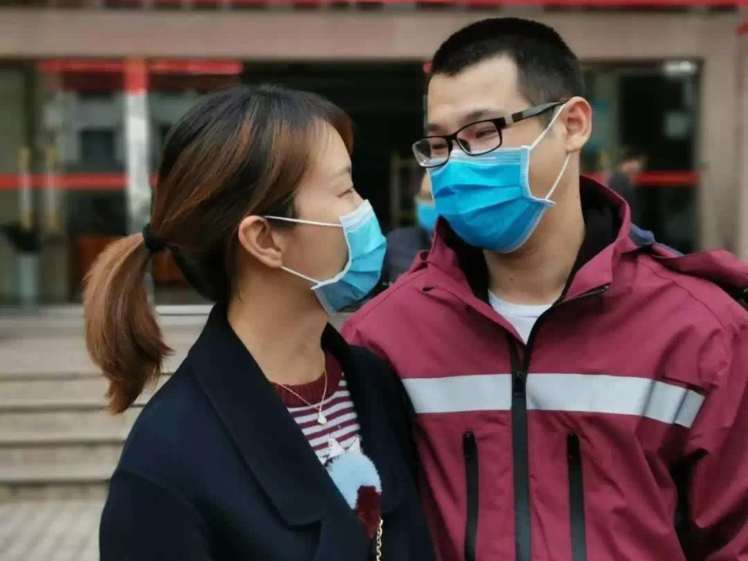 在武汉方舱医院 我写下37岁的第一份答卷