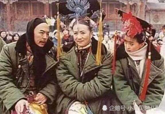 这些剧照真是毁童年!皇阿玛穿大衣,四爷太调皮,范冰冰让人无语