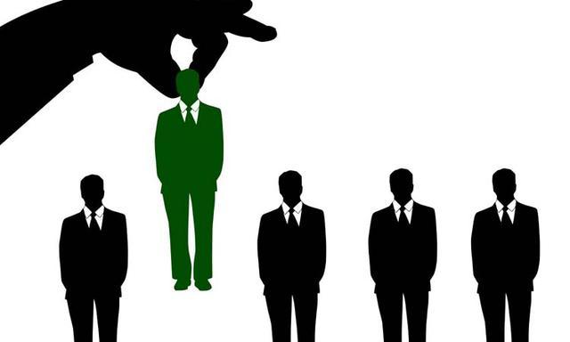 遭遇职场潜规则,记住这四个方法,摆脱领导的纠缠