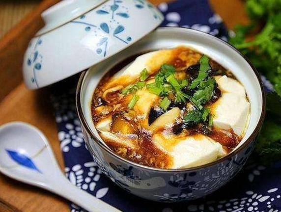 甜豆腐脑好吃还是咸豆腐脑好吃咸派表示,甜的那不叫豆腐脑