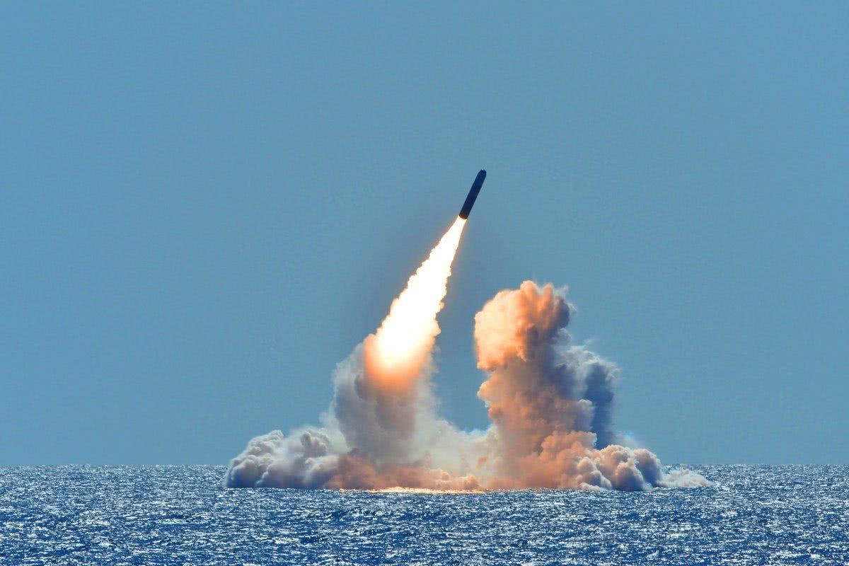 新式核导弹发射成功,突防数千公里命中,对美国警告不再掩饰
