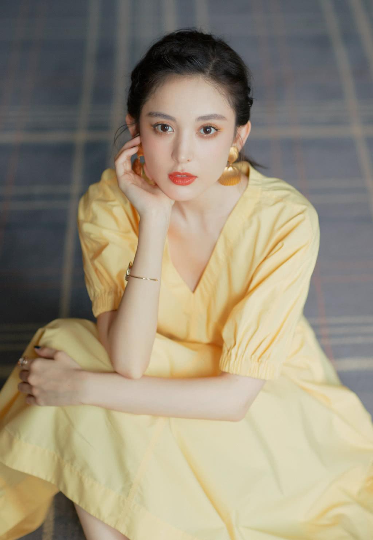 古力娜扎撞衫刘亦菲,穿同款连衣裙,却一个美艳一个这么仙!