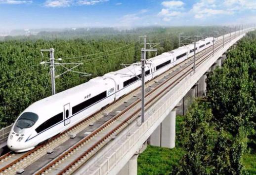 泰国在做什么?数辆火车连夜驶入我国,印度人:好生羡慕