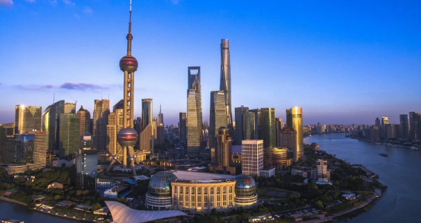 "<b>中国有望诞生下一个""香港"",杭州重庆不被看好,这座城市呼声最高</b>"