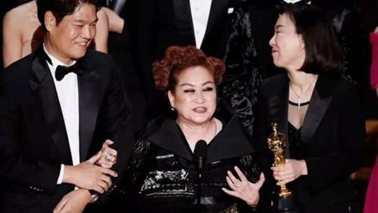 2020奥斯卡《寄生虫》致辞的女士是谁?韩国电影推手,三星孙女