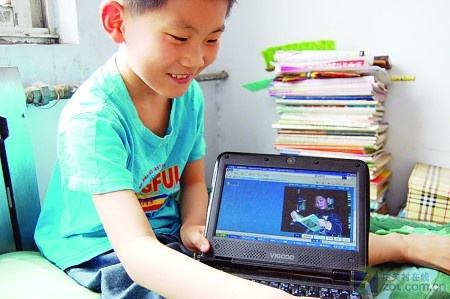 他是00后神童,从小天资过人,十岁参加高考被南科大录取