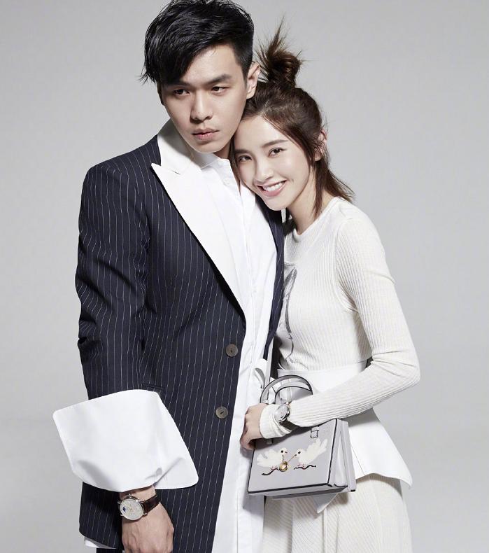 张若昀唐艺昕婚后拍写真,甜蜜相拥高调撒糖,幸福的味道溢满屏幕