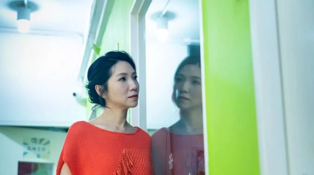 <b>TVB女星重返无线拍剧担心观众不认识 直言是上一代的歌手</b>