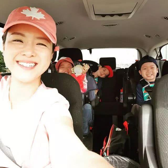 陈茵媺全身心陪3个子女度暑假,可爱的小女儿让她疲态尽扫