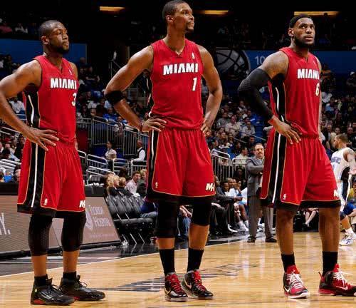 从联盟垫底的鱼腩到夺冠,这支球队只用了1年,NBA仅此一次