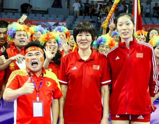 中国女排3比0大胜,为何韩国却遭3比2绝杀,郎平一语道破真相