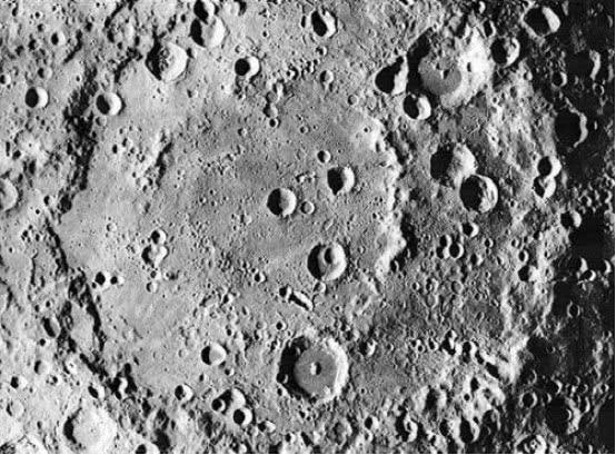 <b>月球的诞生与数亿年前的撞击事件有关,科学家在月球上找到线索</b>