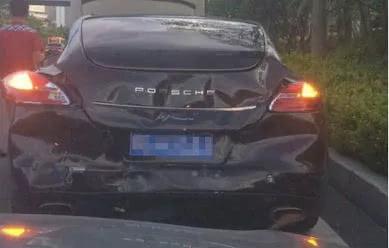 南宁保时捷惨遭追尾,宝马车主拒付上万维修费!最终赔了