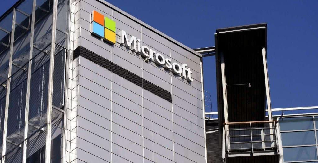 """""""最""""惨翻车现场,微软宣传直播中宕机,网友:比尔盖茨慌了"""