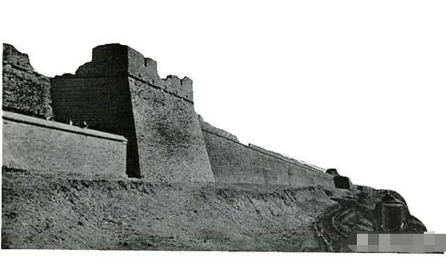 古代战争攻城的时候,为何总有人愿意冒死第一个爬上云梯?