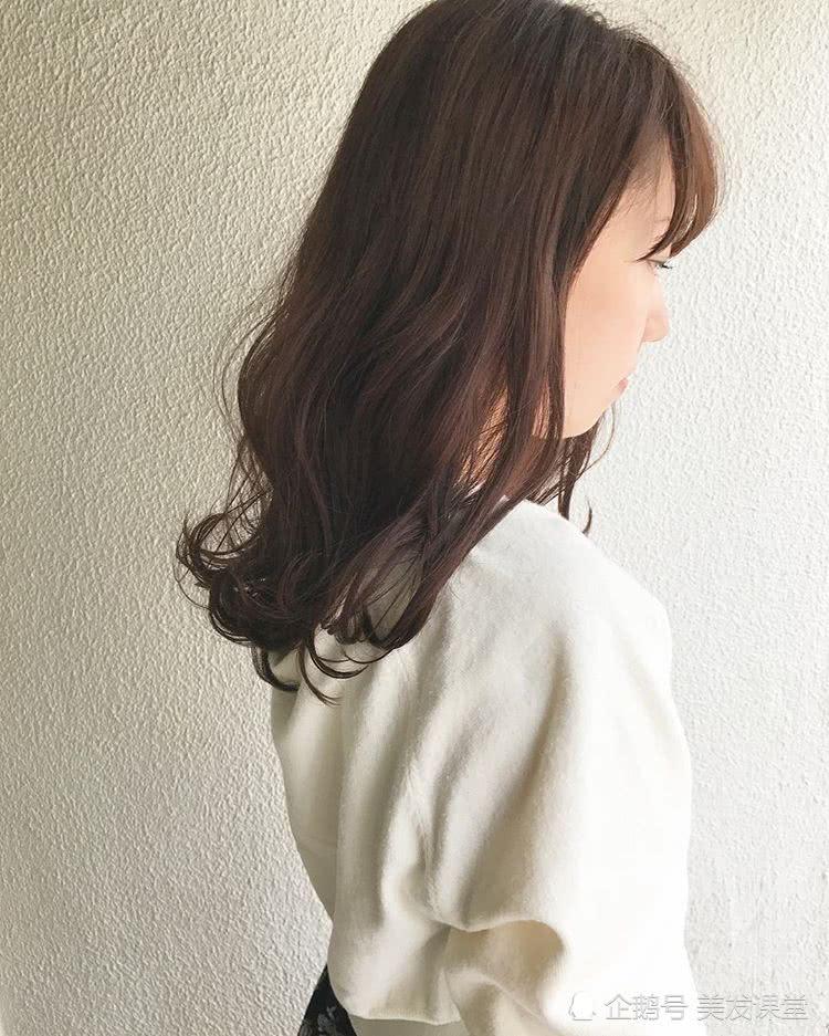 甜美的微卷发型,更显优雅!减龄不老气,而且好打理有气质