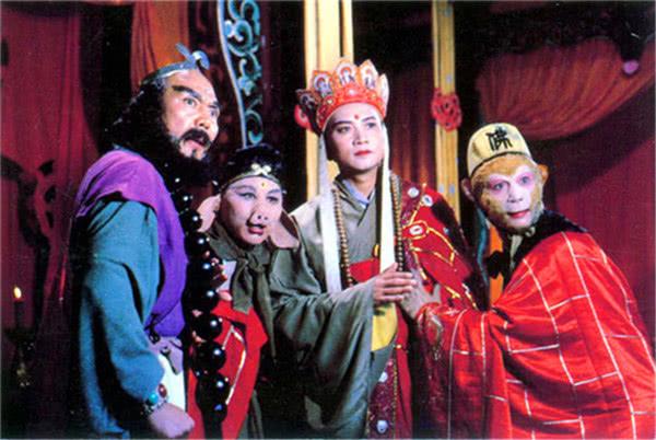 小白龙误烧夜明珠,被父亲以忤逆告上天庭,西海龙王为何如此心狠