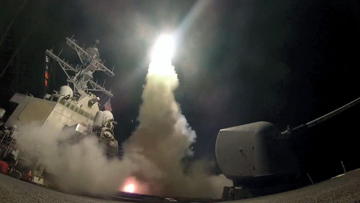 伊朗暂时不打了?美军神盾舰驶入地中海,俄提醒盟友切勿轻敌