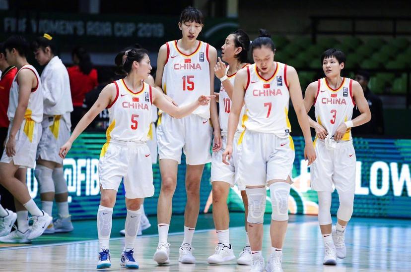 男篮尴尬吗?中国女篮28分大胜韩国女篮晋级亚洲杯决赛会师日本