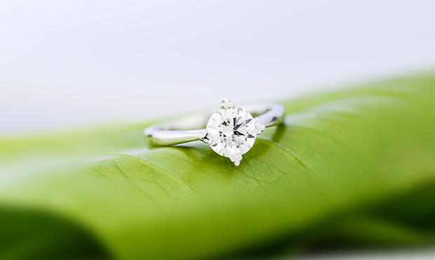订婚钻戒多少钱?七夕到来之际订婚要做好哪些准备工作?