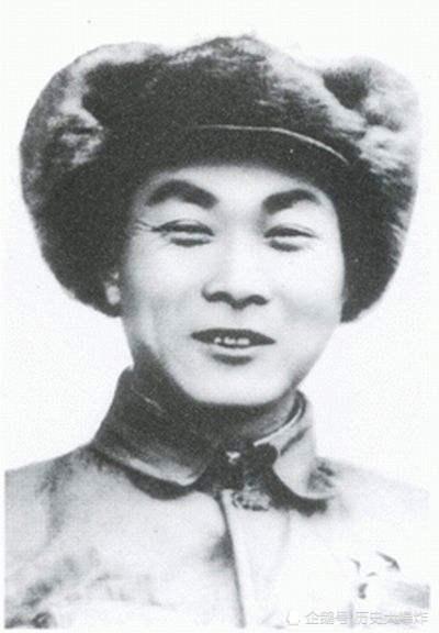 他是最早挺进东北的将领,曾让国民党胆寒,牺牲后当地为其更名