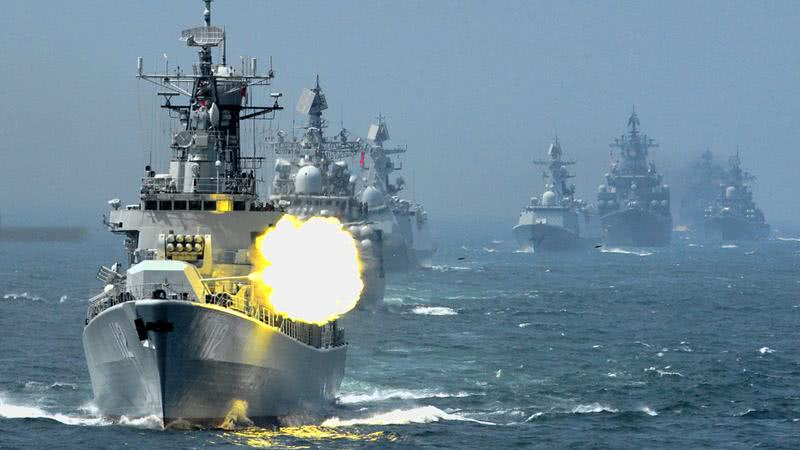 一次海上军演能炸出多少条鱼?卖掉还是丢掉?海军老兵告诉你
